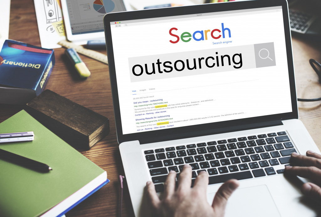 googling outsourcing